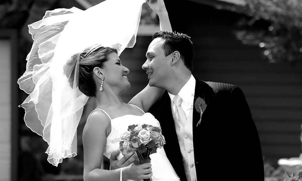 Newlyweds Flair Captured Forever!
